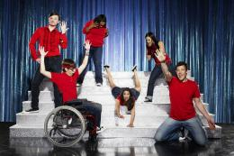 photo 55/64 - Kevin McHale,Lea Michele,Cory Monteith,Chris Colfer,Amber Riley,Jenna Ushkowitz - Glee - Int�grale de la saison 1 - © Fox Path� Europa