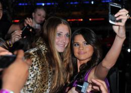 photo 16/67 - Selena Gomez - Justin Bieber : Never Say Never - © Paramount