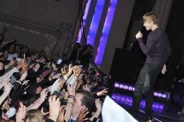 photo 47/67 - Justin Bieber - Avant-première parisienne du film Never Say Never - Justin Bieber : Never Say Never - © Paramount