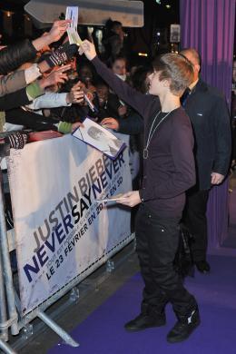 photo 37/67 - Justin Bieber - Avant-première parisienne du film Never Say Never - Justin Bieber : Never Say Never - © Paramount