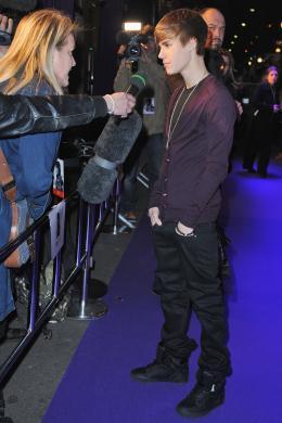 photo 38/67 - Justin Bieber - Avant-première parisienne du film Never Say Never - Justin Bieber : Never Say Never - © Paramount