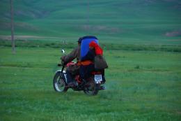 photo 3/6 - Les Deux Chevaux de Gengis Khan - © Jupiter Communications