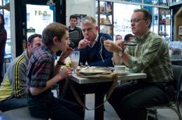 photo 17/59 - Thomas Horn, Stephen Daldry, Tom Hanks - Extrêmement fort et incroyablement près - © Warner Bros