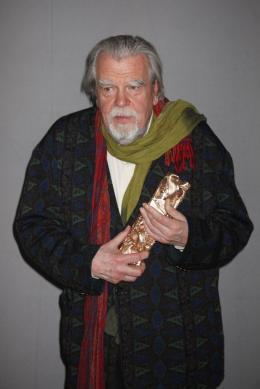 photo 35/39 - Michael Lonsdale, César du meilleur acteur dans un 2d role - 36e Cérémonie Des César 2011 - 25 Février 2011 - Des Hommes et des Dieux - © Isabelle Vautier pour CommeAuCinema.com