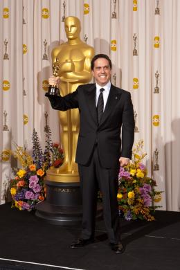 Lee Unkrich 83�me C�r�monie des Oscars 2011 photo 1 sur 20