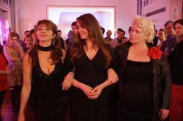 photo 11/17 - Victoria Abril, Lola Dewaere, Catherine Hosmalin - Mince Alors ! - © UGC