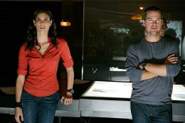 photo 14/24 - Daniela Ruah, Chris O'Donnell - Saison 1 - NCIS : Los Angeles - Saison 1 - © Paramount