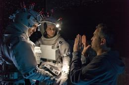 photo 25/65 - George Clooney, Sandra Bullock et Alfonso Cuaron - Gravity - © Warner Bros