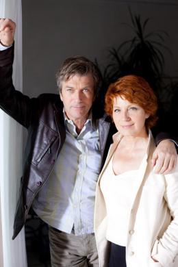 photo 6/24 - Philippe Caroit, Véronique Genest - Merci Patron ! - © TF1