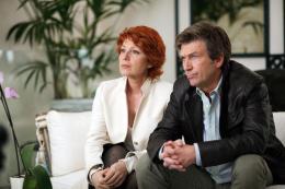 photo 14/24 - Véronique Genest, Philippe Caroit - Merci Patron ! - © TF1