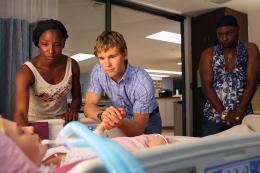 photo 50/65 - Rutina Wesley, Ryan Kwanten, Nelsan Ellis - True Blood - Saison 3 - © Warner Home Vidéo