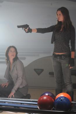 photo 5/10 - Lena Headey, Summer Glau - Terminator : Les Chroniques de Sarah Connor - Saison 2 - © Warner Home Vidéo