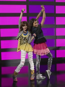 Bella Thorne Shake it up photo 10 sur 34