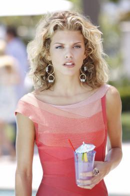 photo 6/33 - AnnaLynne McCord - 90210 - Nouvelle génération - Saison 2 - © Paramount