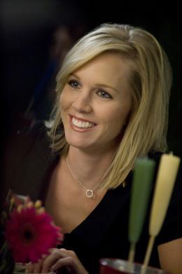 photo 18/33 - Jennie Garth - 90210 - Nouvelle génération - Saison 2 - © Paramount