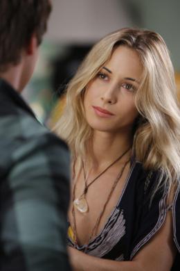 photo 19/33 - Gillian Zinser - 90210 - Nouvelle génération - Saison 2 - © Paramount