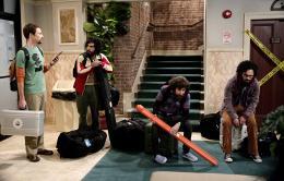 photo 6/13 - Jim Parsons, Kunal Nayyar,   Simon Helberg, Johnny Galecki - The Big Bang Theory - Saison 3 - © Warner Home Vidéo