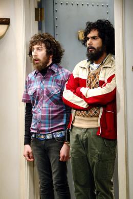 photo 1/13 - Simon Helberg, Kunal Nayyar - The Big Bang Theory - Saison 3 - © Warner Home Vidéo