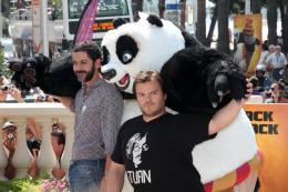 photo 42/80 - Manu Payet et Jack Black - Présentation de Kung Fu Panda 2 - 12 mai 2011 - Kung Fu Panda 2 - © Isabelle Vautier pour CommeAuCinema - Cannes 2011