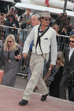 photo 62/140 - Johnny Depp - Conférence de presse Pirates des Caraibes 4 - Pirates des Caraïbes : La fontaine de Jouvence - © Isabelle Vautier pour CommeAuCinema - Cannes 2011