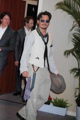 photo 65/140 - Johnny Depp - Conférence de presse Pirates des Caraibes 4 - Pirates des Caraïbes : La fontaine de Jouvence - © Isabelle Vautier pour CommeAuCinema - Cannes 2011
