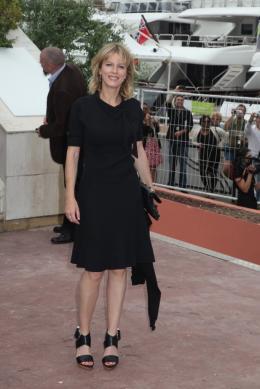 photo 32/92 - Karin Viard - Conférence de presse du film Polisse - mai 2011 - Polisse - © Isabelle Vautier pour CommeAuCinema - Cannes 2011