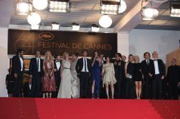 photo 92/92 - L'équipe du film Polisse - Montée des marches du film Polisse - mai 2011 - Polisse - © Isabelle Vautier pour CommeAuCinema - Cannes 2011