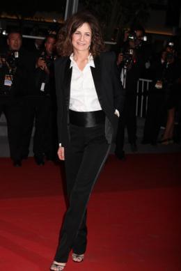 photo 73/92 - Valérie Lemercier - Montée des marches du film Polisse - mai 2011 - Polisse - © Isabelle Vautier pour CommeAuCinema - Cannes 2011