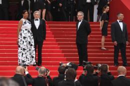 photo 102/140 - Robert De Niro et sa femme - Montée des marches de Pirates des Caraïbes : La fontaine de Jouvence - Pirates des Caraïbes : La fontaine de Jouvence - © Isabelle Vautier pour CommeAuCinema - Cannes 2011