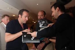 photo 30/126 - Jean Dujardin - Journée du 15 mai 2011 sur la Croisette - The Artist - © Isabelle Vautier pour CommeAuCinema - Cannes 2011