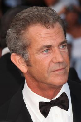 photo 38/59 - Mel Gibson - Montée des marches du film Le Complexe du Castor - Mai 2011 - Le Complexe du castor - © Isabelle Vautier pour CommeAuCinema - Cannes 2011