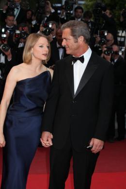 photo 33/59 - Jodie Foster et Mel Gibson - Montée des marches du film Le Complexe du Castor - Mai 2011 - Le Complexe du castor - © Isabelle Vautier pour CommeAuCinema - Cannes 2011