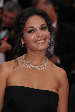 Saïda Jawad Montée des marches du film La Conquete - Mai 2011 photo 4 sur 16