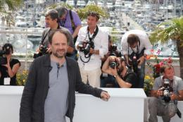 photo 15/75 - Denis Podalydes - Photocall du film La Conquete - Mai 2011 - La Conquête - © Isabelle Vautier pour CommeAuCinema - Cannes 2011