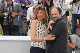 photo 20/75 - Florence Pernel et Denis Podalydes - Photocall du film La Conquete - Mai 2011 - La Conquête - © Isabelle Vautier pour CommeAuCinema - Cannes 2011