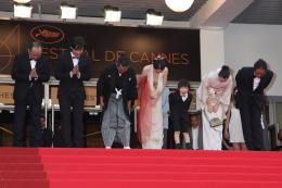 photo 11/11 - L'�quipe du film - Pr�sentation du film Hanezu No Tsuki - Mai 2011 - Hanezu - © Isabelle Vautier pour CommeAuCinema - Cannes 2011