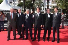 photo 21/22 - L'équipe du film - Montée des marches du film Pater - Mai 2011 - Pater - © Isabelle Vautier pour CommeAuCinema - Cannes 2011