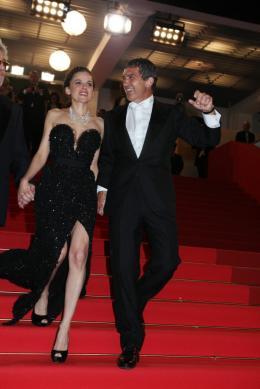 photo 41/75 - Blanca Suarez et Antonio Banderas - Montée des marches du film La Piel que habito - Mai 2011 - La Piel que habito - © Isabelle Vautier pour CommeAuCinema - Cannes 2011