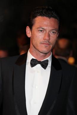 photo 40/51 - Luke Evans - Présentation du film Drive - Mai 2011 - Drive - © Isabelle Vautier pour CommeAuCinema - Cannes 2011