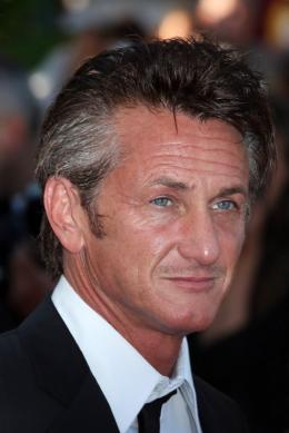 photo 19/48 - Sean Penn - Mont�e des marches du film This Must Be The Place - Mai 2011 - This must Be the Place - © Isabelle Vautier pour CommeAuCinema - Cannes 2011