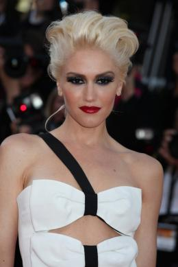 photo 25/48 - Gwen Stefani - Mont�e des marches du film This Must Be The Place - Mai 2011 - This must Be the Place - © Isabelle Vautier pour CommeAuCinema - Cannes 2011