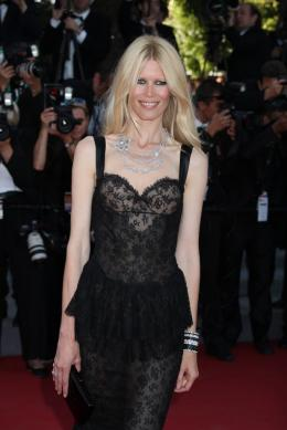photo 36/48 - Claudia Schiffer - Mont�e des marches du film This Must Be The Place - Mai 2011 - This must Be the Place - © Isabelle Vautier pour CommeAuCinema - Cannes 2011