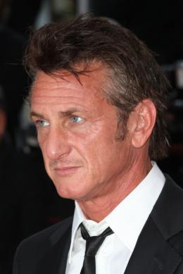 photo 21/48 - Sean Penn - Mont�e des marches du film This Must Be The Place - Mai 2011 - This must Be the Place - © Isabelle Vautier pour CommeAuCinema - Cannes 2011
