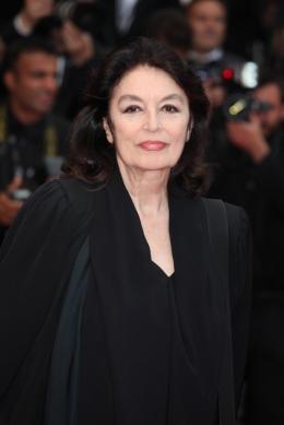 Anouk Aim�e Soir�e de cloture du Festival de Cannes 2011 photo 6 sur 9