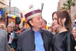 photo 71/80 - James Hong et Angelina Jolie - Avant-première de Kung Fu Panda 2 - Kung Fu Panda 2 - © Paramount