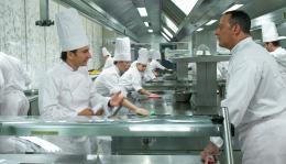 Comme un chef Michael Youn, Jean Reno photo 6 sur 14