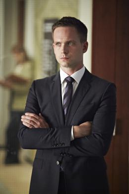 Patrick J. Adams Suits photo 1 sur 11