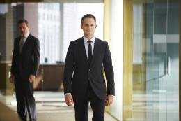 Patrick J. Adams Suits photo 2 sur 11