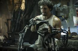 photo 32/51 - Wagner Moura - Elysium - © Sony Pictures