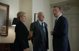 photo 20/55 - Kevin Spacey, Gerald McRaney, Jayne Atkinson - House of Cards - Saison 2 - © Netflix